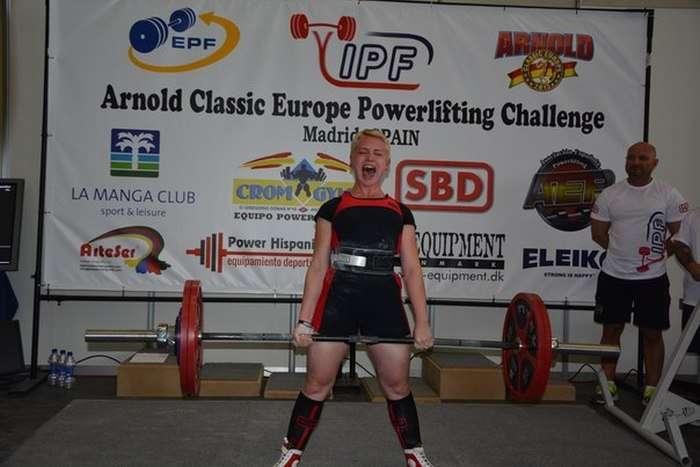 Арнольд Шварценеггер познайомився з білоруською спортсменкою, блиснула на турнірі «Арнольд Класік Європа 2015» (10 фото)