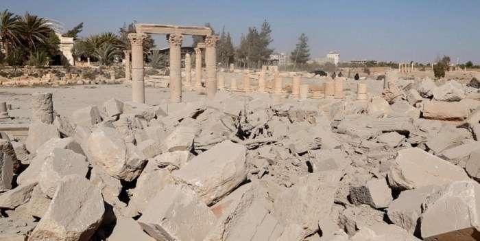 Бойовики ИГИЛ знищили храм Ваала в Пальмірі (5 фото)
