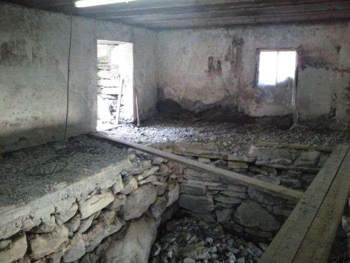 Як старий сарай перетворився в оригінальну більярдну (25 фото)
