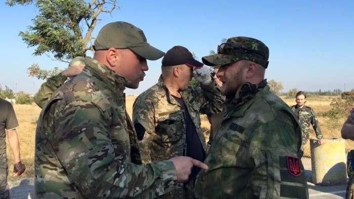 Криму влаштували продовольчу блокаду (9 фото + 2 відео)