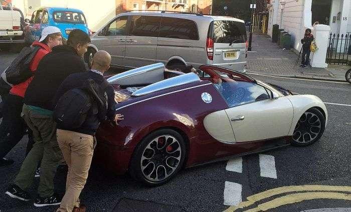 Bugatti Veyron теж може зламатися в самий невідповідний момент (3 фото)