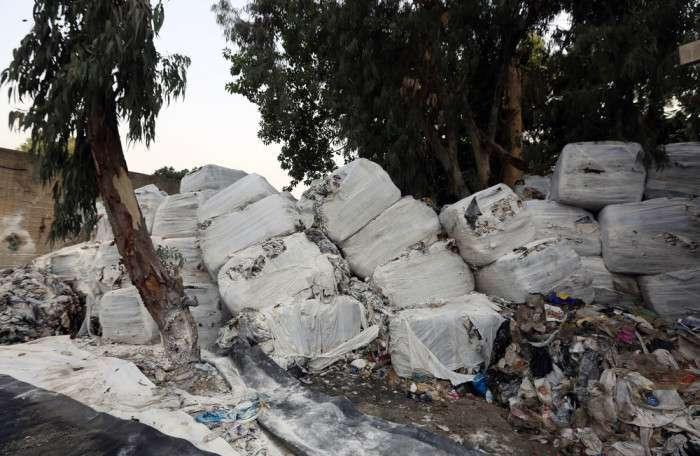У Бейруті шукають шляхи виходу з сміттєвої кризи (18 фото)