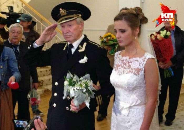 84-річний Актор Іван Краско одружився на 24-річній Наталії Шевель (4 фото)