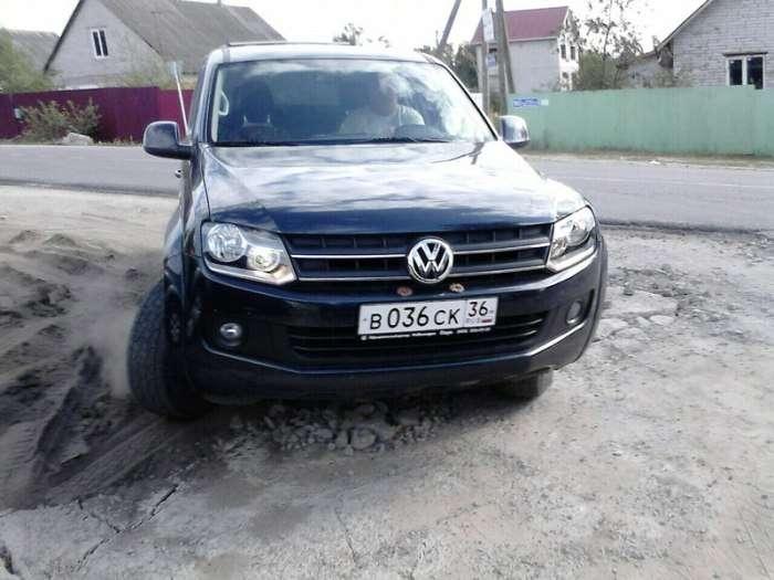 У Воронежі «підполковник поліції» побив водія (3 фото + 4 відео)