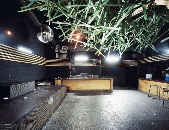 Нічні клуби вранці у фотопроекті Даніеля Шульца і Андре Гиземанна (16 фото)