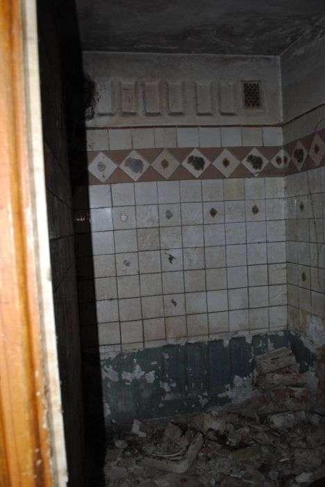 Типова квартира самотнього алкоголіка (16 фото)