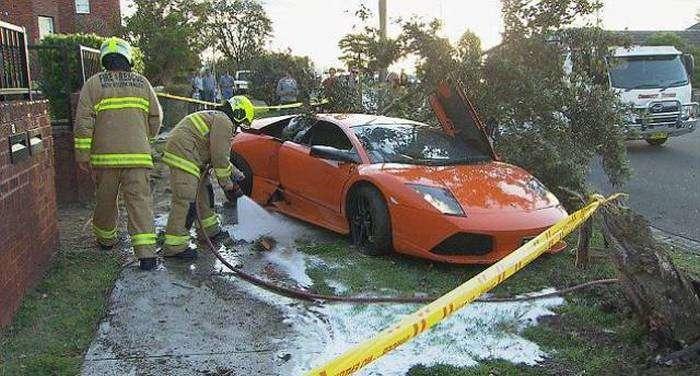 Невдалий тест-драйв Lamborghini Murcielago LP640 за 280 000 доларів (11 фото)