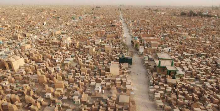Іракське кладовищі Ваді ас-Салам – найбільше кладовище у світі (4 фото)