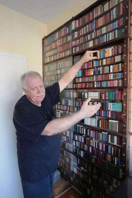 Найбільша колекція самих маленьких книг (10 фото)