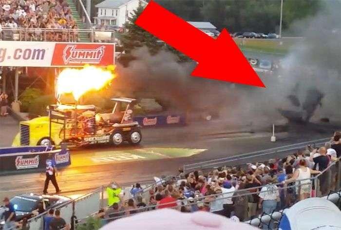 Найшвидший в світі вантажівка на реактивній тязі розплавив асфальт (2 фото + 2 відео)