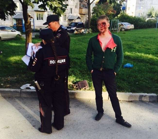 Заплутаний конфлікт у дворі житлового будинку в Південно-Сахалінську (5 фото)