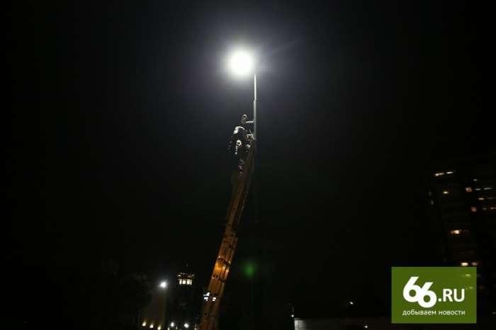У Єкатеринбурзі влаштували рекет на тілах померлих людей (29 фото)