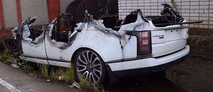 Що залишилося від згорілого Range Rovera (2 фото)