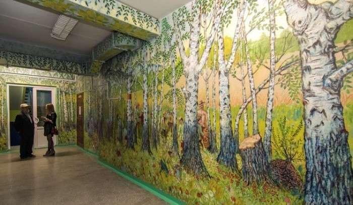 Шкільний сторож розмалював школи до початку навчального року (17 фото)