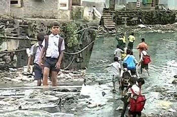 Індійський хлопець побудував міст у нетрях Мумбая (6 фото)