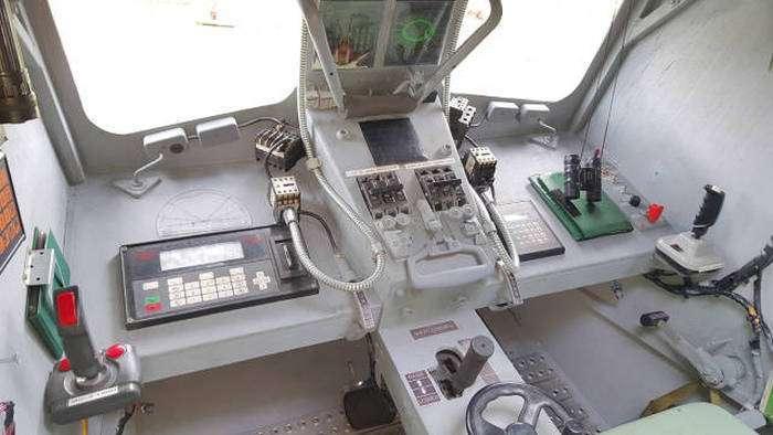 Саморобний шагоход AT-ST (24 фото)