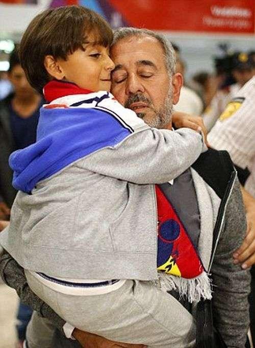 Біженець, який впав з-за підніжки журналістки, став тренером футбольного клубу «Хетафе» (5 фото)