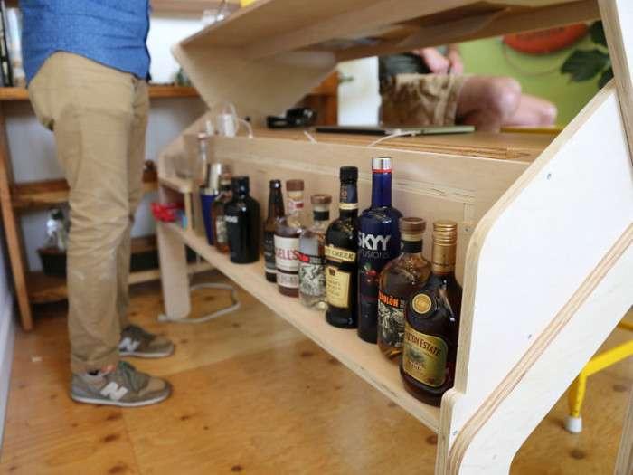 Стіл-бар, за яким можна не тільки працювати, але й відпочивати (6 фото)
