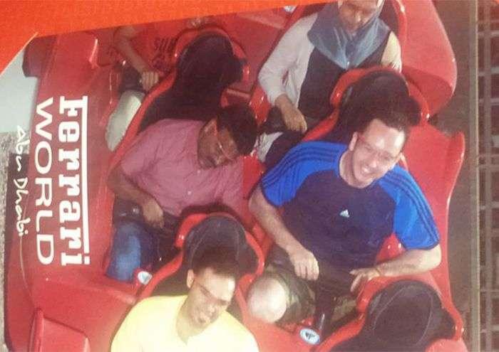 Добрий пасажир зводив таксиста в парк розваг, у якому той ніколи не був (5 фото)