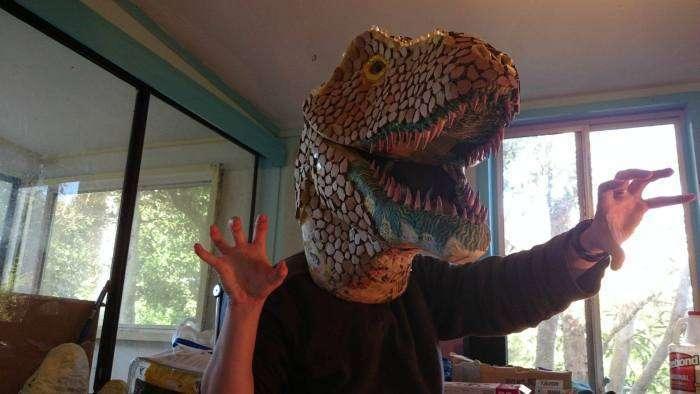 Саморобний трофей – голова тиранозавра (10 фото)