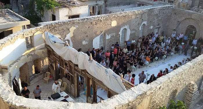 Весілля в сирійських руїнах (10 фото)