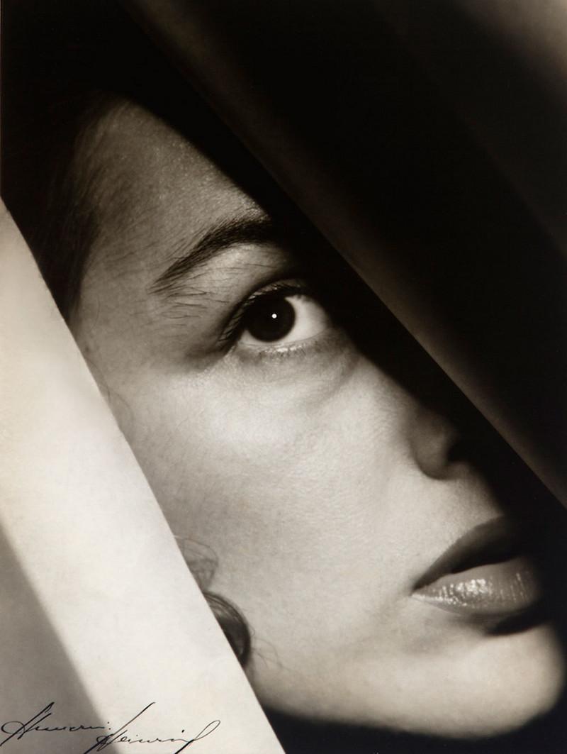 Тело, свет, отражение. Легенда аргентинской фотографии Аннемари Генрих фотография