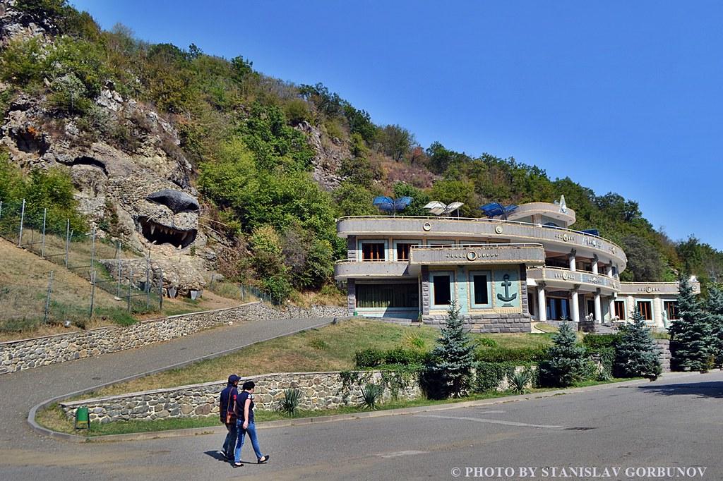 Село Ванк - торжество армянского китча