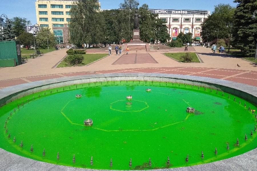 Зеленый фонтан в Калининграде Калининград