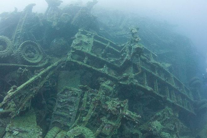 Подводное кладбище старых танков Интересное
