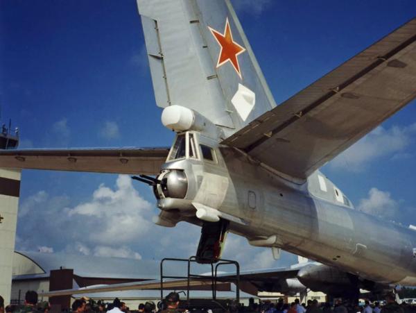 Пойдёт ли на таран американский лётчик, после того, как ТУ-95 отключит ему электронику новости,события